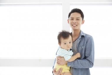 お父さんと赤ちゃん