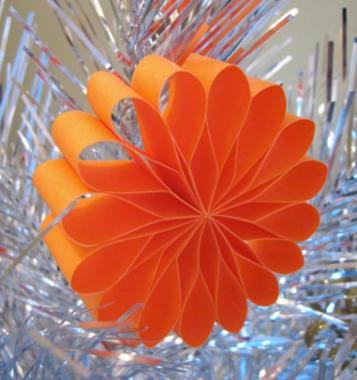 紙の花の装飾品__どのようにオレンジについて